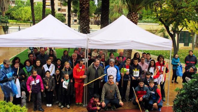 "La lluvia deslució la carrera de ""las Mil Varas solidarias"""