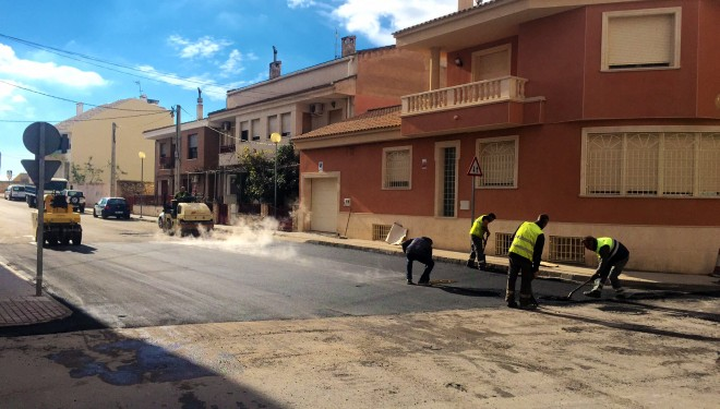 Se iniciaron las obras de mejora en la corrección de rasantes y pavimentación