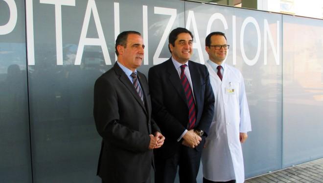 El consejero de Sanidad y Asuntos Sociales visitó el Hospital de Hellín