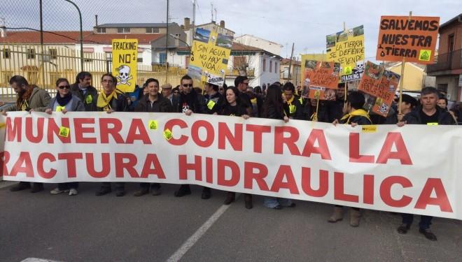 UPA CLM se manifiesta en Ossa de Montiel en contra del fracking