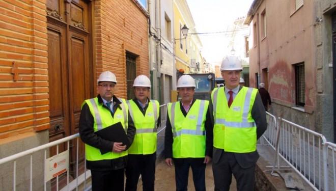 Manuel Mínguez visita las obras de instalación del gas natural