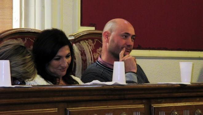 Tensión en el Pleno del Ayuntamiento de Hellín
