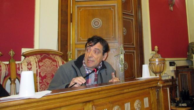 Fuertes enfrentamiento entre la concejal Covadonga López y los portavoces de la oposición