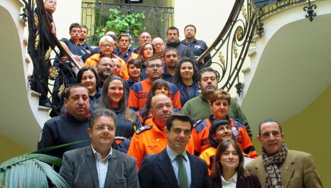 Javier Cuenca entregó los diplomas a los voluntarios de Protección Civil
