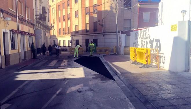 Se inician las labores de parcheado y asfaltado en diferentes puntos