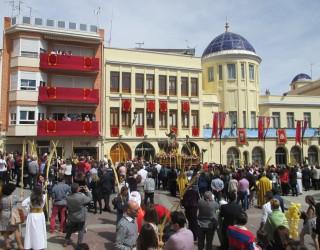"""La Semana Santa se iniciaba con una espectacular procesión de """"Las Palmas"""""""