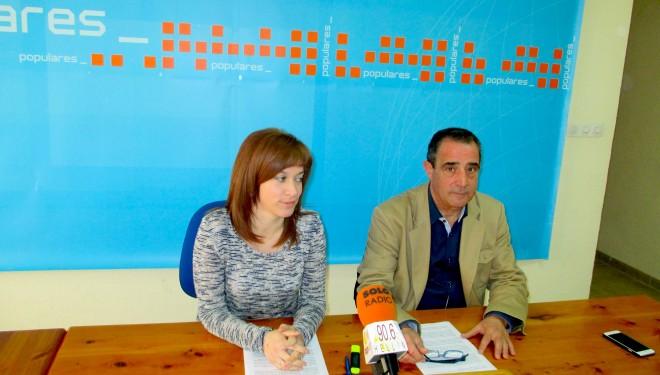 Manuel Mínguez e Irene Moreno enumerar los logros de su partido a nivel regional