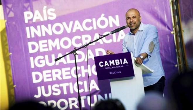 García Molina baja de las nubes a García-Page
