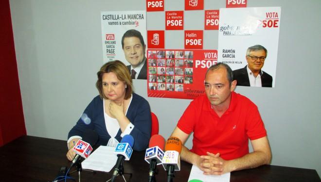Mª Soledad Expósito y Juan A. Andújar explicaron las iniciativas socialistas en Cultura y Promoción Empresarial
