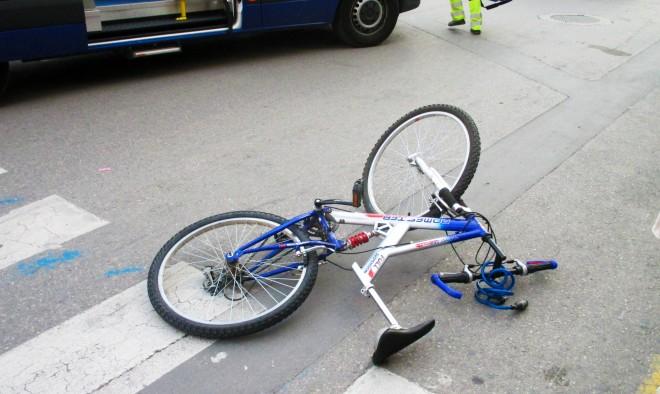 Bicicleta de la joven