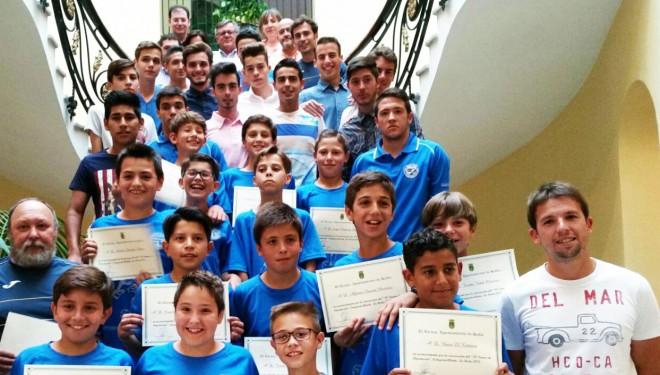 Recepción en el Ayuntamiento a los equipos de Alevín A y Juvenil