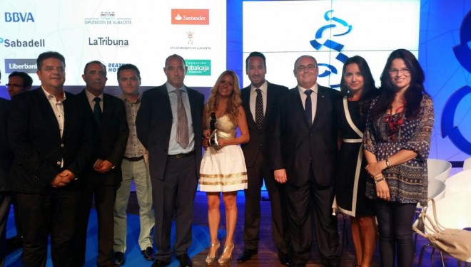 La empresa hellinera Serbus recibe el premio de Joven Empresario