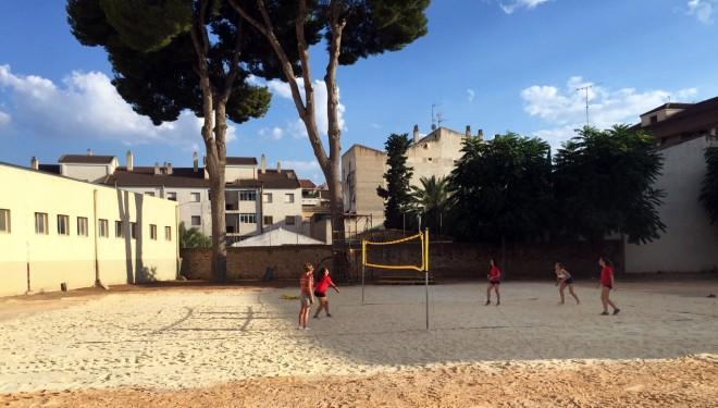 El voley playa se instala en el Colegio de Capuchinos
