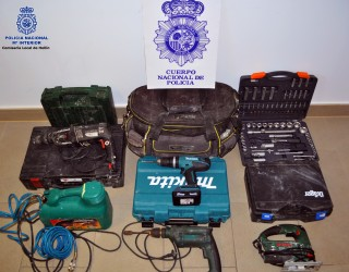 Tres detenidos en Hellín por robar en una furgoneta