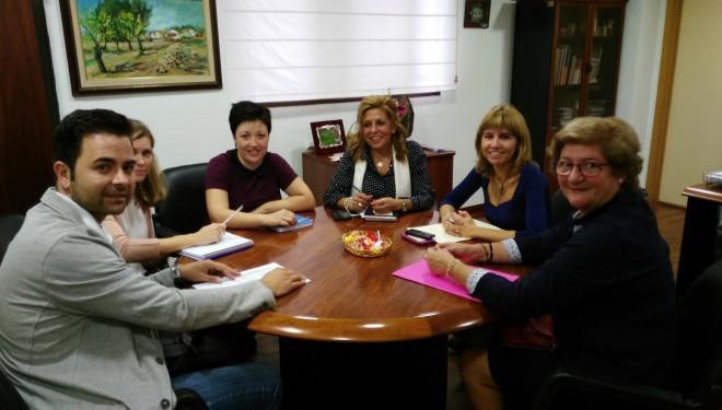 Reunión con la directora provincial de Bienestar Social