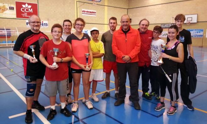 Ganadores del los torneos de badmintón y mini-tenis organizado por el Club de Tenis Santa Ana
