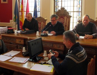 La moción sobre la independencia de Cataluña levantó un enconado debate en la sesión plenaria