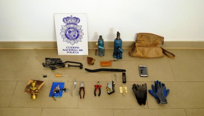 Dos detenidos en Hellín por robo en una nave