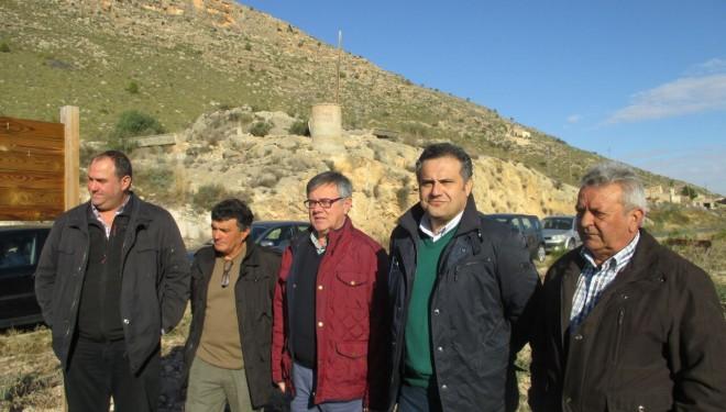 El director provincial de Agricultura, Manuel Miranda, visitó la SAT de El Mayorazgo