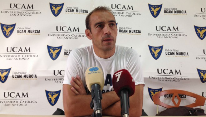El Cartagena, tras el cese de su entrenador, se pone manos a la obra para contratar a un nuevo técnico