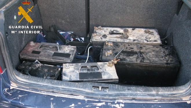 Detenidas dos personas por sustraer baterías de una finca de Isso