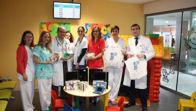 El hospital del Hellín recibe consolas de la Fundación Juegaterapia