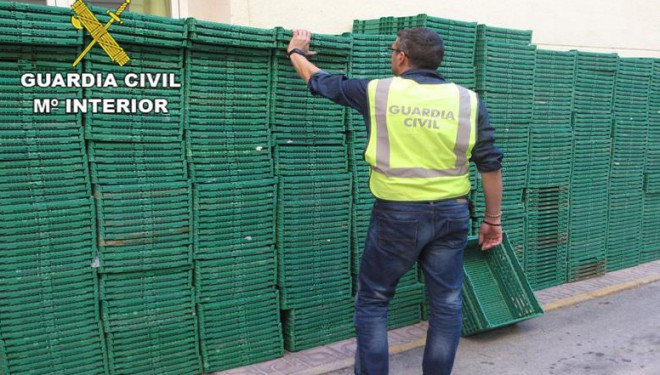 Detenidas dos personas por sustraer cajas vacías de productos hortofrutícolas