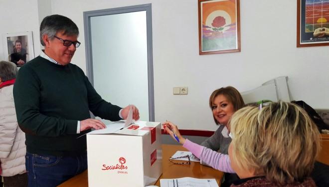 El PSOE local da el visto bueno a la consulta sobre los pactos realizados