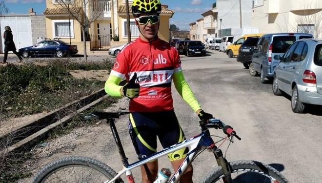 Gran victoria de César Ruiz que llegó a Tarazona de la Mancha destacado