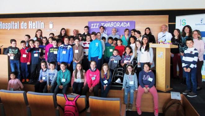 Entrega de los premios del concurso infantil organizado en el Hospital Comarcal