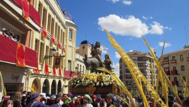 Con La Procesión de las Palmas comenzaba oficialmente las Semana Santa de Hellín