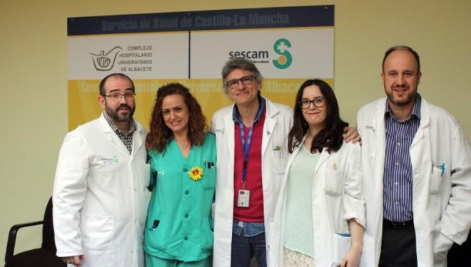 Especialistas de los servicios de Nefrología y Neurología  pasan consulta en el Hospital de Hellín