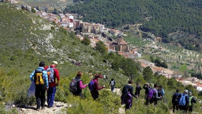 Impresionantes paisajes en Yeste en la X ruta senderista que organiza la Diputación