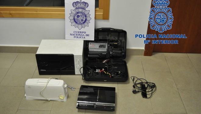 Cuatro detenidos en Hellín por robar en una vivienda