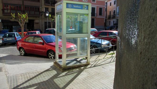 Desaparecerán las cabinas telefónicas