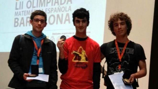 Alejandro García, Medalla de Plata, y Javier Peñafiel, Medalla de Bronce, en la LII Olimpiada Matemática