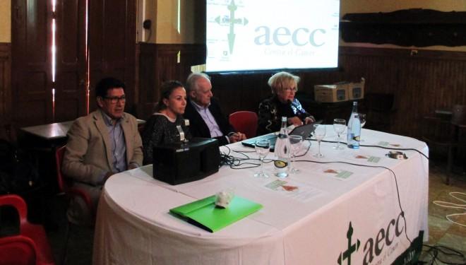 Conferencia sobre la prevención del cáncer colorrectal organizada por la aecc