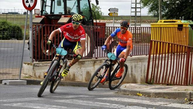 César Ruiz y Mario Alarcón subierón al podio de la general en Villarrobledo