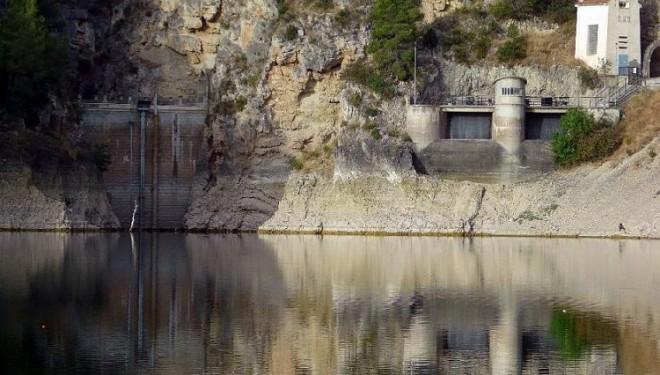 La Corporación Municipal de Hellín muestra ante la CHS su preocupación sobre la posibilidad de llevar a cabo el recrecimiento de la presa del Pantano de Camarillas