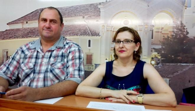 Carmen Rodríguez y Julián  Martínez llevan a cabo el resumen anual  de sus concejalías