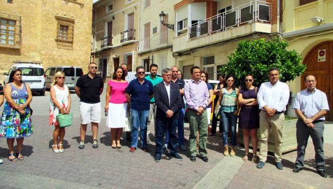 La Corporación Municipal guarda un minuto de silencio por el atentado de Niza