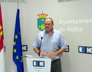 El concejal Julián Martínez anuncia la pronta ampliación del Cementerio Municipal