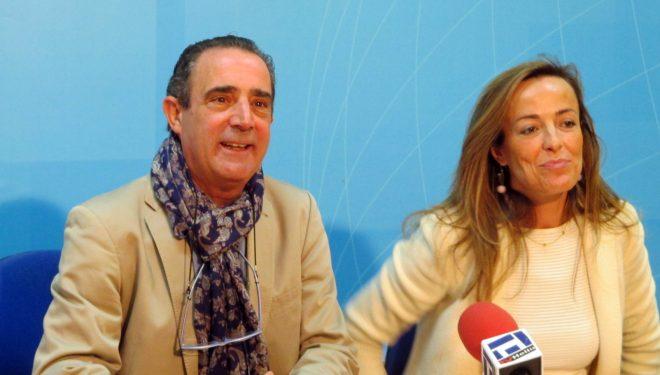 Carmen Navarro señalaba que su partido estaba orgulloso de que María Dolores de Cospedal fuese Ministra de Defensa