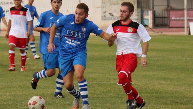 El Hellín juvenil remontó el 0-2 del Caudetano y acabó goleando