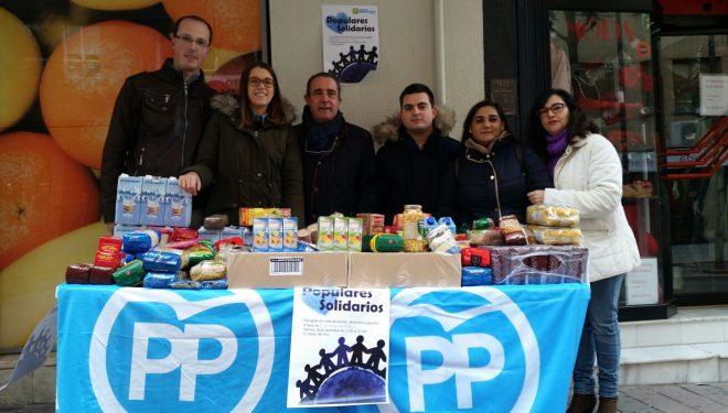 Recogida solidaria de alimentos de Nuevas Generaciones del Partido Popular