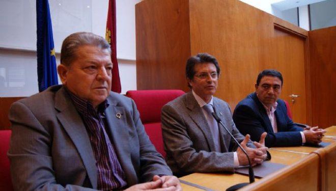 El Consejo Regulador de los Vinos de Jumilla entrega 4.800 euros a Cáritas Albacete para financiar proyectos locales