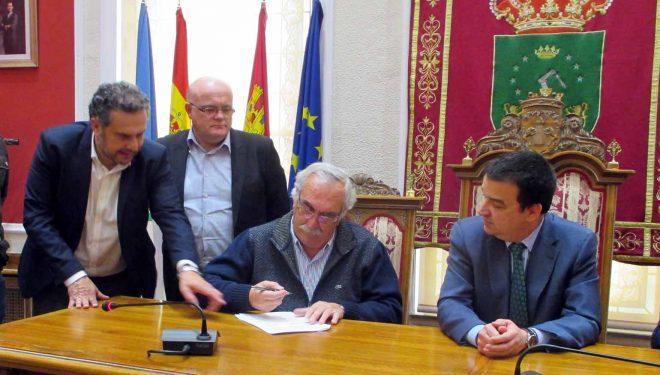 El consejero de Agricultura anuncia la firma del Decreto de Interés Regional para los Regadíos de Cancarix y Agramón