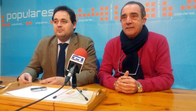 Francisco Núñez criticó el ritmo lento que asegura que llevan las obras del Centro de Salud