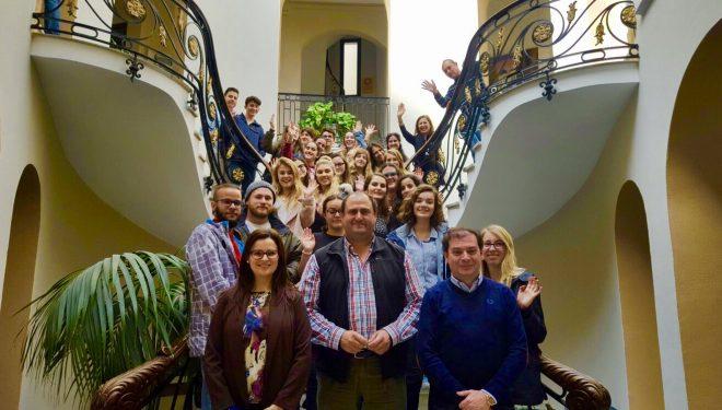 Estudiantes ingleses visitan el Ayuntamiento de Hellín