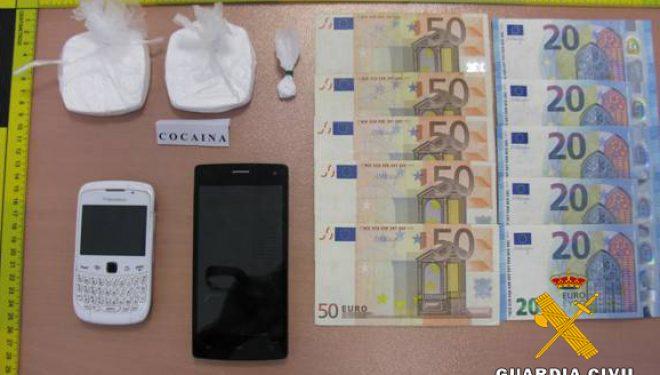 Detenidos dos personas dedicadas a la distribución y venta de cocaína en la localidad de Tobarra